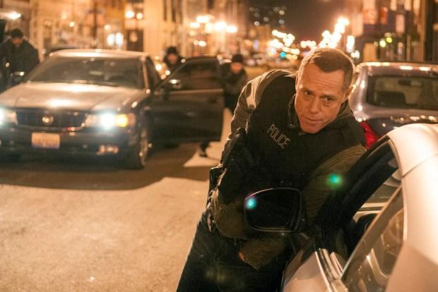 Pictured: Jason Beghe as Hank Voight -- (Photo by: Matt Dinerstein/NBC)