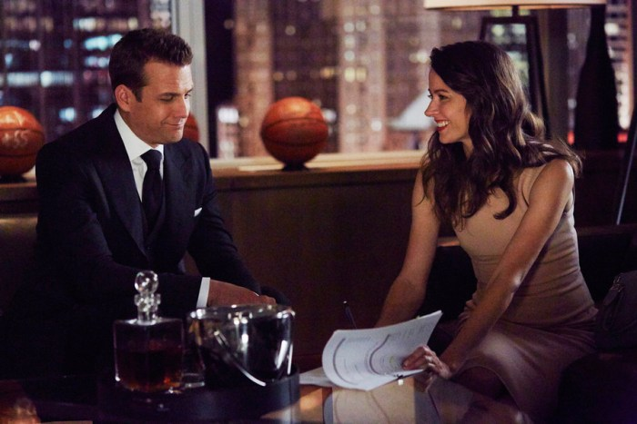 """SUITS -- """"No Puedo Hacerlo"""" Episode 504 -- Pictured: (l-r) Gabriel Macht as Harvey Specter, Amy Acker as Esther -- (Photo by: Shane Mahood/USA Network)"""