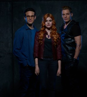 Alberto Rosende as Simon Lewis, Katherine McNamara as Clary Fray and Dominic Sherwood as Jace Wayland. (Freeform/Bob D'Amico)