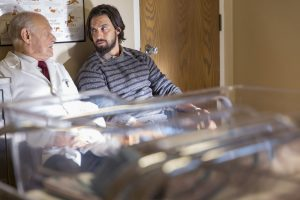 "THIS IS US -- ""Kyle"" Episode 103 -- Pictured: (l-r) Gerald McRaney as Dr. K, Milo Ventimiglia as Jack -- (Photo by: Ron Batzdorff/NBC)"