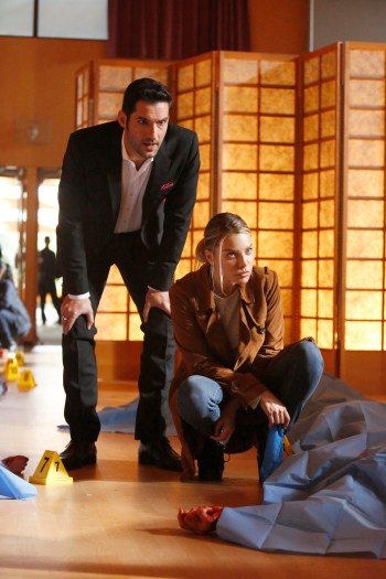 """LUCIFER: L-R: Tom Ellis and Lauren German in the """"Trip To Stabby Town"""" episode of LUCIFER 