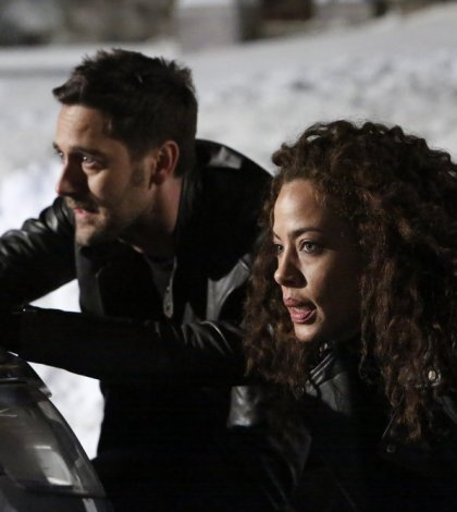 """THE BLACKLIST: REDEMPTION -- """"Independence, U.S.A."""" Pictured: (l-r) Ryan Eggold as Tom Keen, Tawny Cypress as Nez Rowan -- (Photo by: Will Hart/NBC)"""
