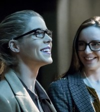 "Arrow -- ""Checkmate"" --  Pictured (L-R): Emily Bett Rickards as Felicity Smoak and Kacey Rohl as Alena -- Photo: Katie Yu/The CW"