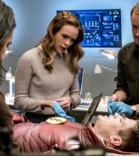 """The Flash -- """"The Wrath of Savitar""""  Pictured (L-R): Carlos Valdes as Cisco Ramon, Danielle Panabaker as Caitlin Snow, Grant Gustin as Barry Allen and Tom Felton as Julian Albert-- Photo: Katie Yu/The CW"""