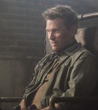 """Supernatural --""""Somewhere Between Heaven and Hell"""" Pictured: Mark Pellegrino as Lucifer -- Photo: Dean Buscher/The CW"""