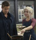 "iZombie -- ""Zombie Knows Best"" -- Image Number: Pictured (L-R): Robert Buckley as Major and Rose McIver as Liv -- Photo: Jack Rowand/The CW"