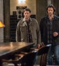 "Supernatural --""The British Invasion"" -- SN1217a_0064.jpg -- Pictured (L-R): Jensen Ackles as Dean and Jared Padalecki as Sam -- Photo: Dean Buscher/The CW -- © 2017 The CW Network, LLC. All Rights Reserved"