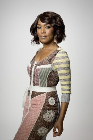 911: Angela Bassett. 911 is set to premiere midseason on FOX. ©2017 Fox Broadcasting Co. Cr: FOX