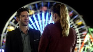 """LUCIFER: L-R: Tom Ellis and Lauren German in the """"The Good, the Bad and the Crispy"""" season finale episode of LUCIFER. Cr: FOX"""