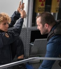 """BLINDSPOT -- """"Lepers Rebel"""" Episode 222 -- Pictured: (l-r) Michelle Hurd as Shepherd, Sullivan Stapleton as Kurt Weller -- (Photo by: Jeff Neumann/Warner Bros/NBC)"""