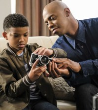 "Supergirl -- ""City of Lost Children"" Pictured (L-R): Lonnie Chavis as Marcus and Mehcad Brooks as James Olsen/Guardian -- Photo: Bettina Strauss/The CW"