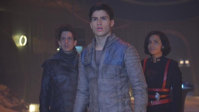 KRYPTON from Syfy, stars Cameron Cuffe (center)