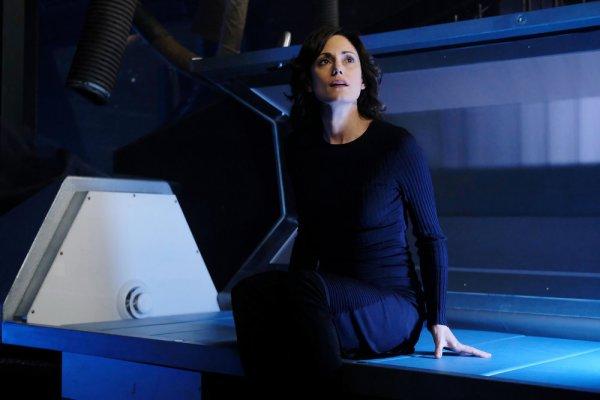 """DARK MATTER -- """"Built, Not Born"""" Episode 310 -- Pictured: Natalie Brown as Sarah -- (Photo by: Stephen Scott/Dark Matter Series 3/Syfy)"""