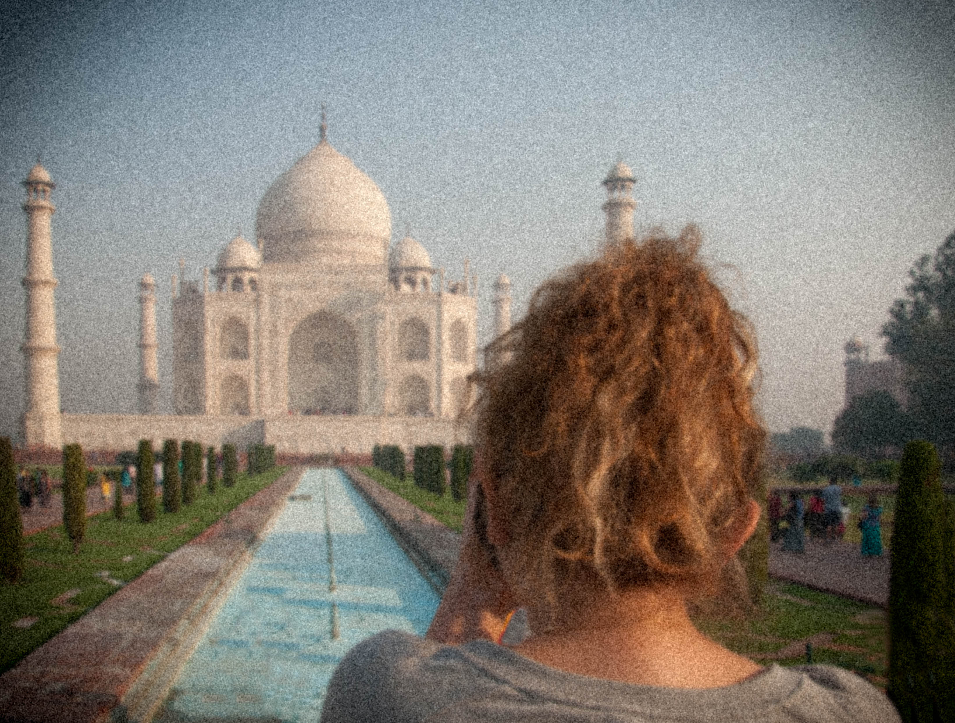 white marble a photo essay of the taj mahal scribble snap travel the girl the blonde hair and the taj mahal