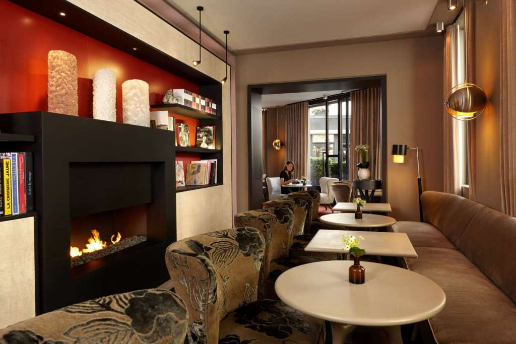 Cosy hangout areas are a prerequisite in a hotel for book lovers