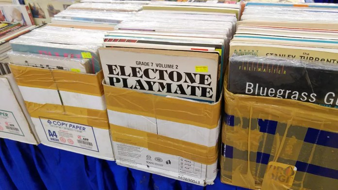 Used Yamaha Electone books on sale.