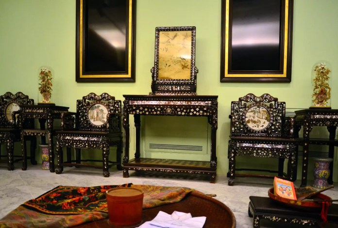 Singapore Peranakan Museum Display.