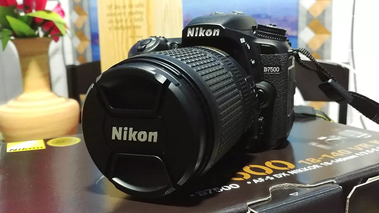 Nikon D7500 review.