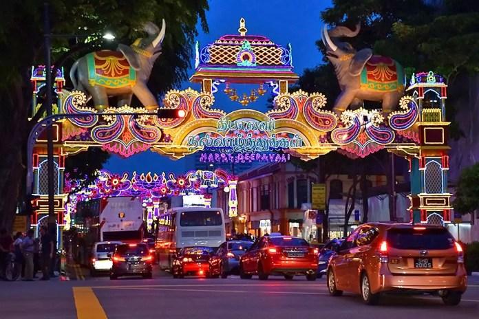Serangoon Road Deepavali Festive Light-Up 2017