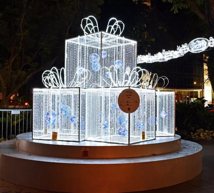 Orchard Road Christmas Light Sculpture 1
