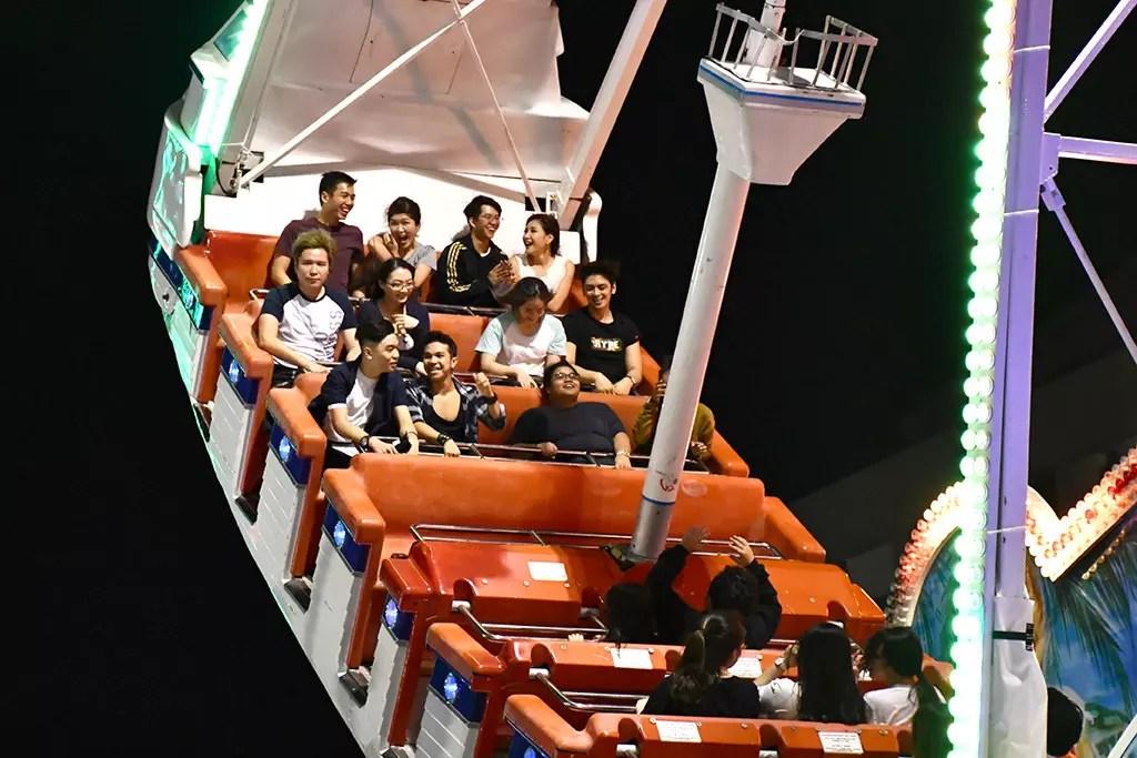Prudential Marina Bay Carnival 2017 Das Fun Schiff