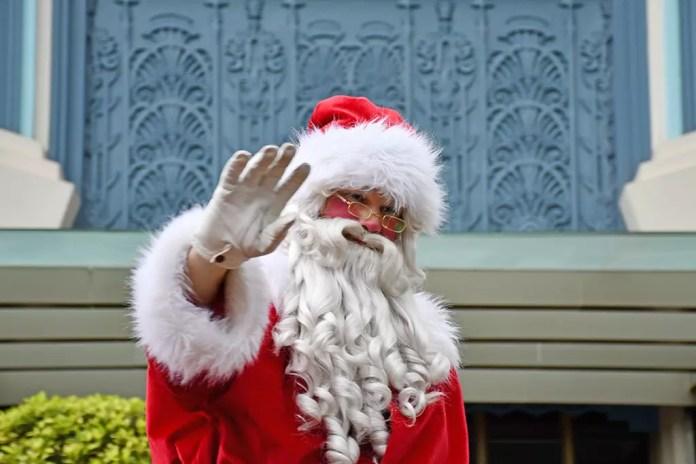 Universal Studios Singapore Santa Claus.