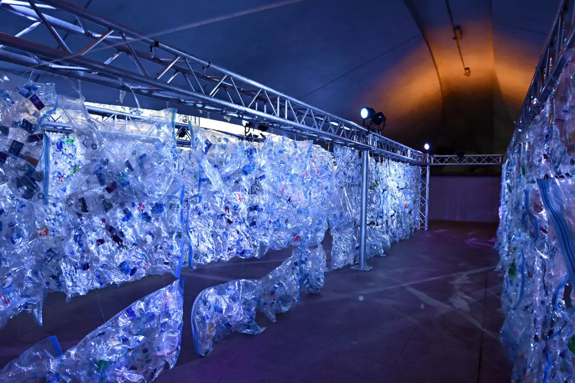 Transistable Plastic Art Installation at Esplanade – Theatres on the Bay