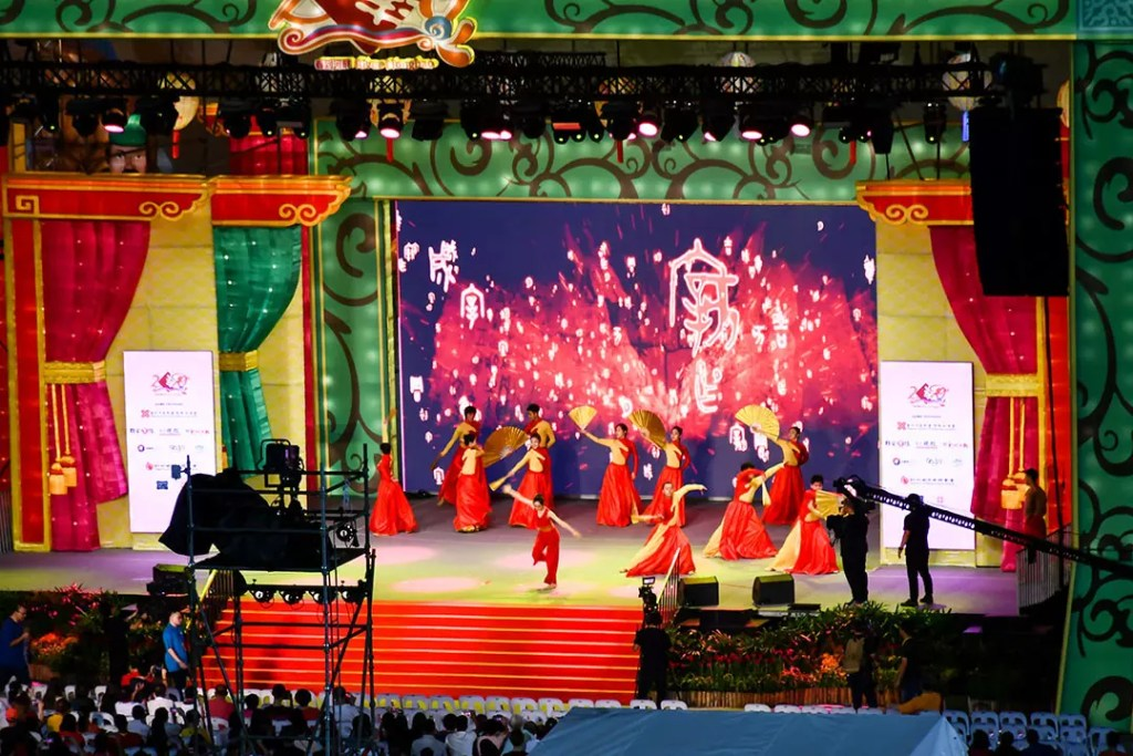 Chinese Cultural Performances in Singapore to Celebrate Chinese New Year 2019.