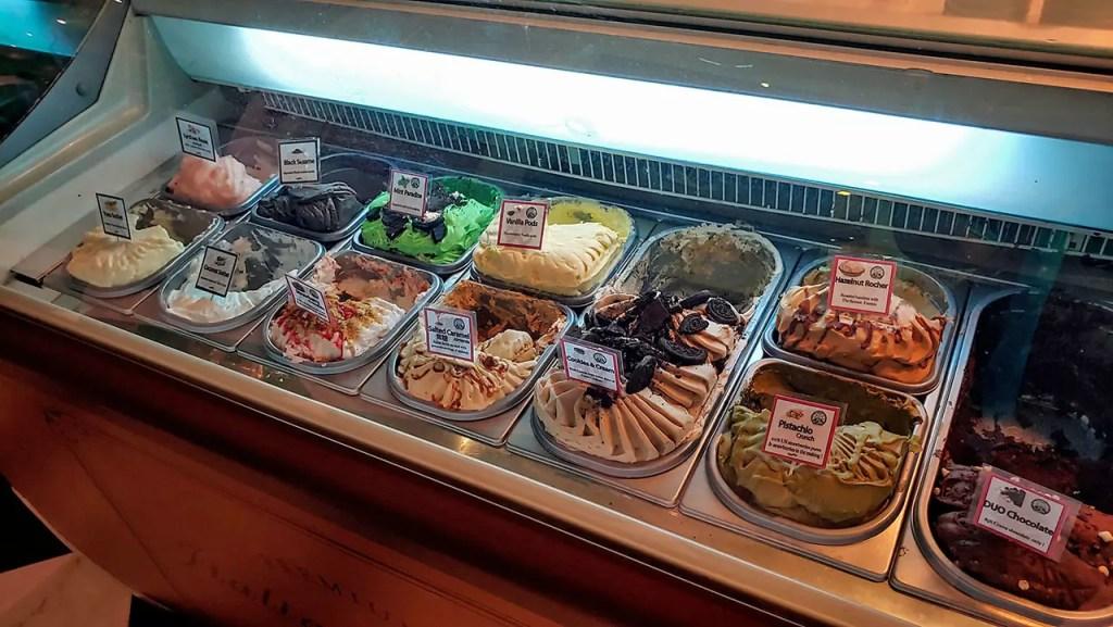 Wonderland Savour VivoCity Ice Cream Counter.