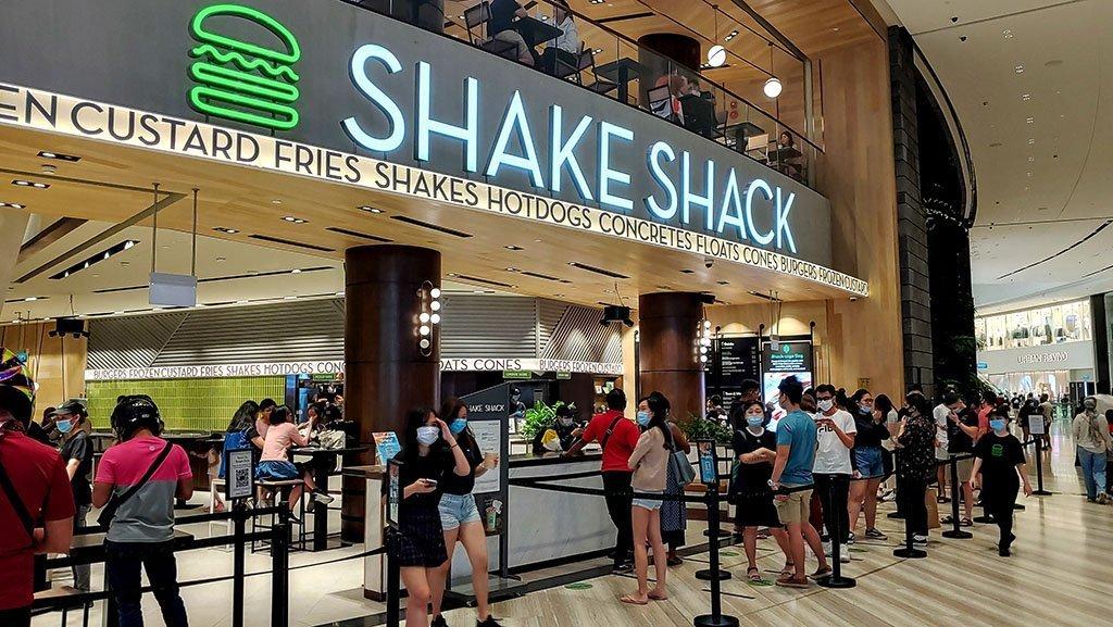 Shake Shack Jewel Queue (July 2020)