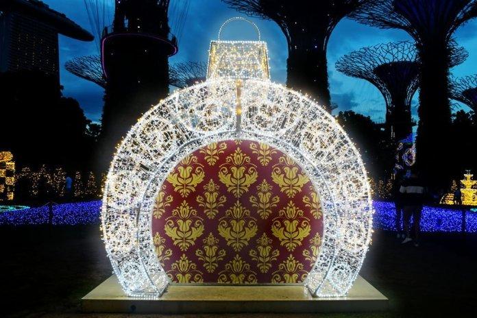 Crystal Ball | Christmas Wonderland 2020.