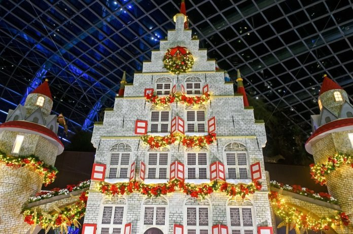 Gouda Townhall Replica at Flower Dome, Singapore.