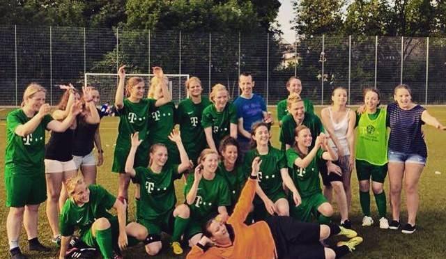 Frauen: Sieg im Saisonfinale = Aufstieg !