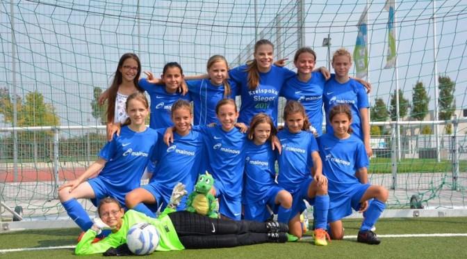 Frauenfußball: Solider Auftakt nach packendem Spiel der U12