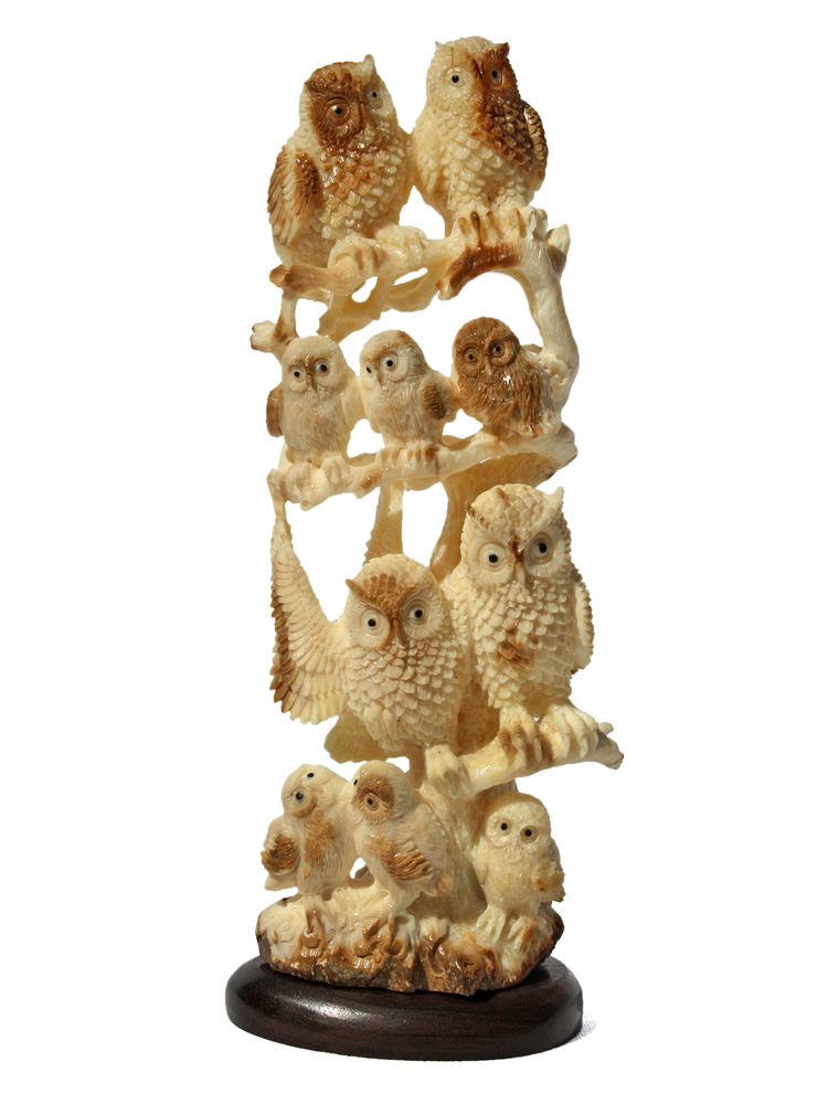 Large Owl Family Carving
