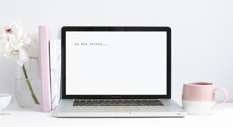 Donne che scrivono   Un computer