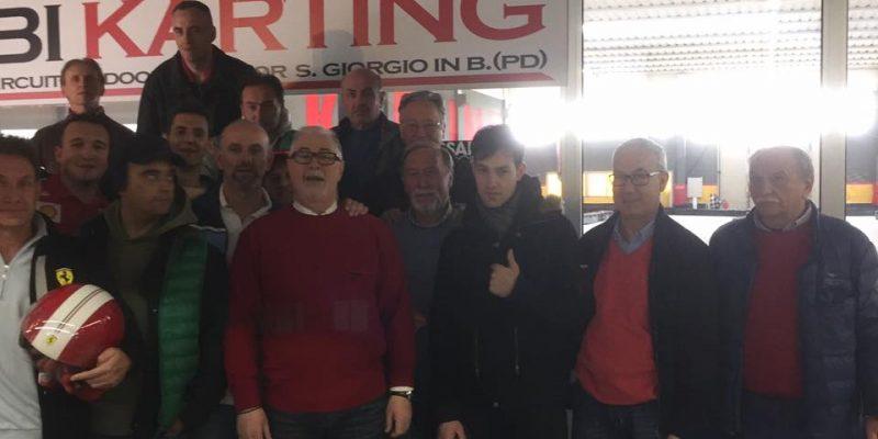 Foto di gruppo gara kart