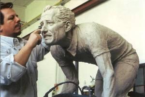 Aldo_Bini_monumento_per-la città_di_Bagnolo_di_Montemurlo_cod.135_cm180x200x60_anno_2002_monumenti-in-bronzo-statue-sculture-per-giardino