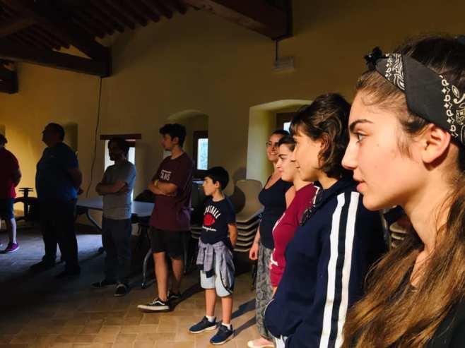 Un momento del laboratorio teatrale condotto da Sarah De Marchi