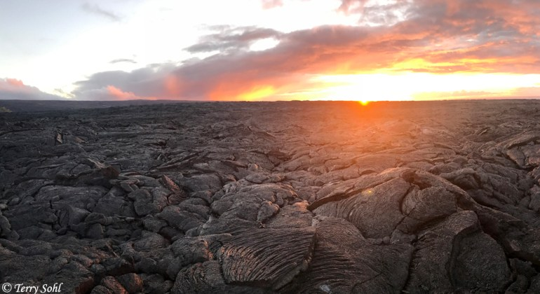 Kilauea - Lava field sunrise