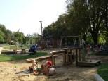Dětské hřiště s vodními prvky v Libni