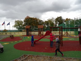 Park Mrázovka _ horní hřiště