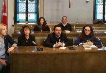 Egle Mambrini a presentazione mostra con sindaco e rappresentanze di Ri-Nascita e Fai giovani