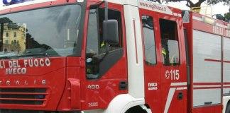 Trecate, incendio in un'abitazione, evacuati i residenti