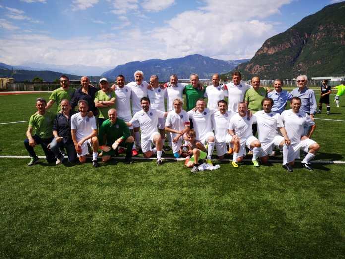 Vecchie Glorie del Novara Calcio terzo posto al Torneo dei Fiori di Bolzano