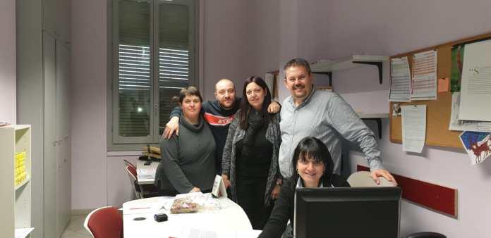 Gli operatori fiscali della Cisl di Novara, Paola Bosisio, Mirko Inverno e Raffaella Martelli insieme al responsabile caf Cisl di Biella e Novara Paolo Gastaldo