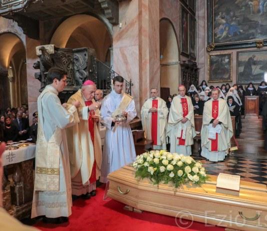 funerali madre anna maria canopi