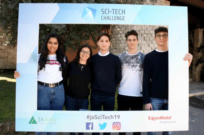 I ragazzi del Liceo Antonelli protagonisti nella finale dello Sci-Tech Challenge