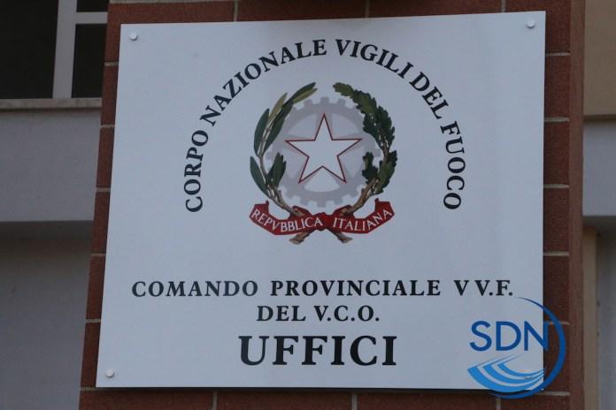 targa della sede del comando provinciale dei Vigili del fuoco del Vco