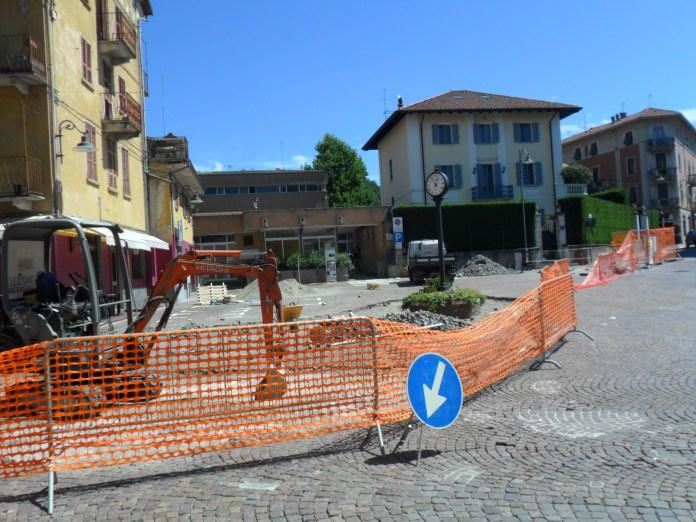 Lavori in piazza Cacciami a Grignasco